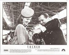 PF Tucker ( Jeff Bridges , Joan Allen )