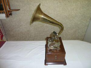 Phonographe PATHE à cylindres, le PATHE ROYAL.