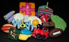 12 Vintage Realistic/Goofie Plastic Snap Buttons #8000
