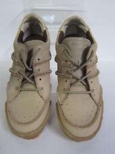 Scarpe beige con lacci per bambini dai 2 ai 16 anni