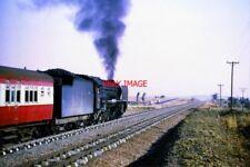 PHOTO  SOUTH AFRICAN RAILWAYS -  CLASS 15F ON THE BEITBRIDGE LINE 9/72 A CLASS 1