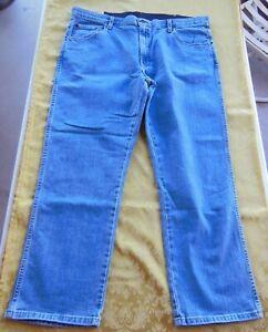 Mens Faded Glory Classic Fit Straight Leg Blue Denim Jeans Stretch - Size 40x30