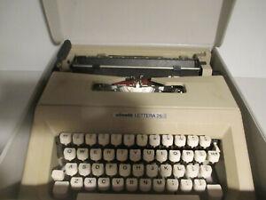 Olivetti Lettera 25 Lightweight Portable Mechanical Typewriter W/ Case