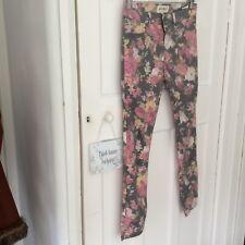"""Floral Print. Skinny Fit Jeans. Size 27""""W 32""""L"""