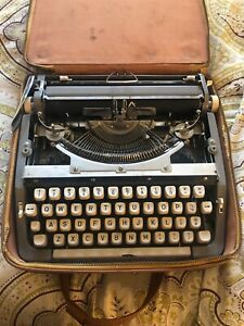 Vintage Brother Portable Manual Typewritter Silver Hard Case P 160 233 Read
