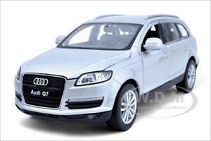 AUDI Q7 SILVER 1/24 DIECAST MODEL CAR BY WELLY 22481