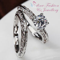 18K White Gold Plated Simulated Diamond 0.85 Ct Round Cut Wedding Ring Set