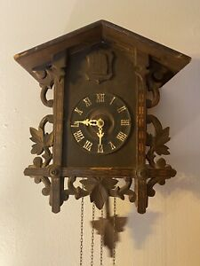 Antique Cuckoo Clock Fully Functioning