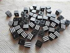 Confezione da 50 G in acrilico ~ ~ Nero e Bianco Cubo Perline ~ 13 mm