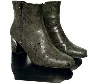 DKNY Women's SZ 8 Crosbi Python Almond Toe Ankle Boots Green New Orig $129