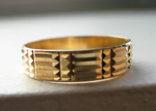 Vintage 14k solid yellow gold Egyptian style band ring size 7