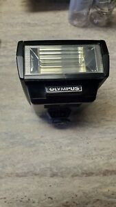 OLYMPUS T-32 ELECTRONIC FLASH  UN TESTED