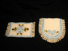 BLUE  ROSES ON  BATH RUG SET FOR MINI DOLL HOUSE 1 INCH SCALE