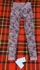 Womens Gymshark Camo Seamless Leggings Winter Berry Size XS NEW G2