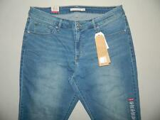 Levi's 310 Women's Plus Shaping Super Skinny Jeans NWT Size 18W M X 29 WP1353