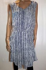EMERGE Brand Blue Print V Neck Elastic Waist Box Pleat Dress Size 22 BNWT #TU16