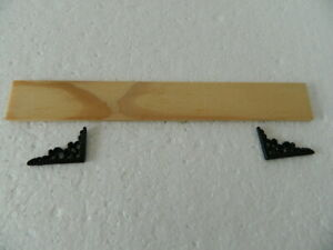(A29) 1/12TH SCALE DOLLS HOUSE WOODEN SHELF WITH BLACK METAL BRACKETS