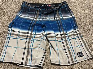 QUIKSILVER CYPHER BOARD SHORTS SWIM SUIT MEN'S SIZE 34