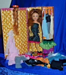 """Fashion """"Deondra"""" Doll With Clothes Accessories & Carry Case By Mattel 2004"""