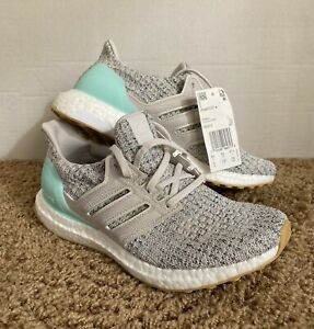 Women's Adidas Ultraboost 4.0 size 6 Clear Mint/Raw White/Carbon DB3212