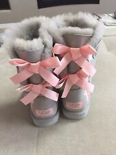 Ugg Women's Shimmer Suede Boots Size 36 Or 5 Silver Pink Ribbon Bow 1007617