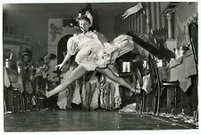Photo Daniel Frasnay - French Cancan - Grand écart - Tirage argentique 1950 -