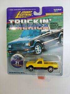 Johnny Lightning Truckin' America 1991 GMC Syclone Yellow Black NEW 1:64
