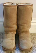 UGG Australia boots size UK 3.5 (W5) in good condition
