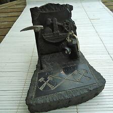 Sculpture Pierre Relief & Ciselé Fait Main KATOWICE Pologne 15x12x12 Cm -828 Grs