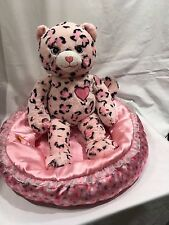 Build a bear Cheetah Cat with bed  (20)
