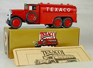 Ertl 1990 #9330VO 1930 Diamond T Texaco Fuel Tanker Bank Made USA Mint With Box