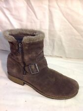 Clarks Brown Ankle Suede Boots Size 3.5G