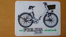 Adesivo Sticker FREJUS...via nel verde (bicicletta) su fondo trasparente cm 10x7