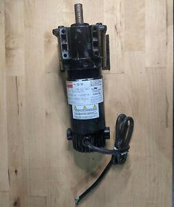Dayton 1Z833 12VDC 170 RPM 57 in-lb TENV Gearmotor
