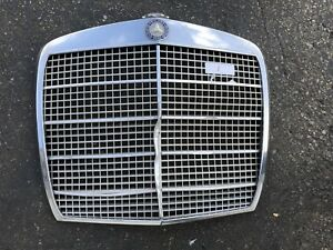MERCEDES W108 280SE W109 300SE USED FRONT GRILLE SEDAN 4 DOOR #1