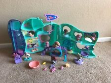 Littlest Pet Shop Playful Paws Daycare Playset with #485 Complete