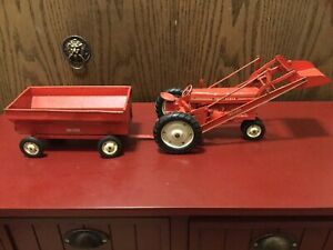Vintage Tru-Scale Red Tractor with front Bucket Loader And Wagon 1950-60's.