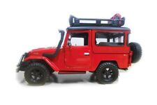 Motormax Toyota FJ 40 Land Cruiser 4x4 Off Road 1:24 Diecast Model car 79137 Red