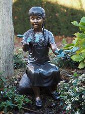 Bronzeskulptur Mädchen mit Schmetterlinge Gartendekoration *