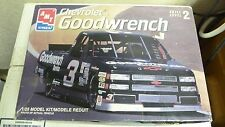 Amt Ertl Chevrolet Goodwrench 1:25 Skill Level 2 Model Kit #38436 Sh3
