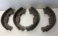 263 FITS VEHICLES LISTED ON CHART BRAND NEW BENDIX GLOBAL BRAKE SHOES RS263