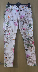 STUNNING LADIES TED BAKER FLORAL JEANS NEW WORN! SIZE 28W