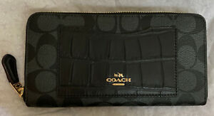 NWT Coach Women's Accordion Zip Wallet F26300