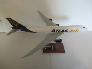 "Aero Le Plane Boeing 747-8F ""Atlas Air"" Model Plane Wood Base"