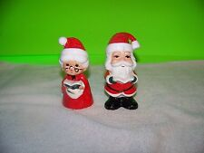 Christmas carolling Mr & Mrs. Claus Salt and Pepper shakers