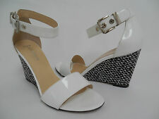 AQUATALIA WHITE PATENT LEATHER WEDGE SANDALS SIZE 9 EXCELLENT!! MUST SEE