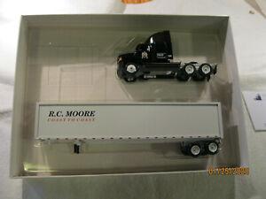 Winross 1:64 (S gauge) R C Moore semi with single 53'? trailer  w/ box