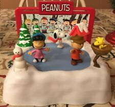 Snoopys Ice Skating Ring & Friends Lucy Charlie Brown Musical Battery Operated