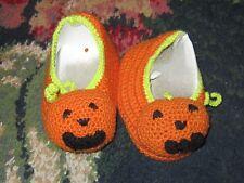 NWOB NEW Baby shoes crib 0-6 mo boy girl unisex Halloween pumpkin crochet cute