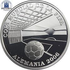 Silberne Münzen mit Motiven aus Amerika
